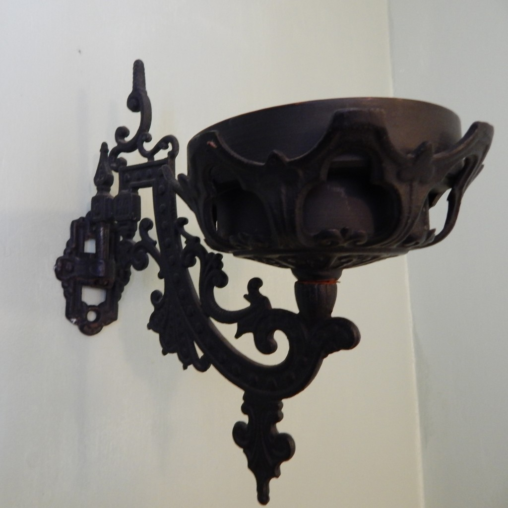 cast iron wall sconce 6 cropped