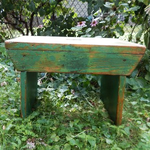 green stool cropped